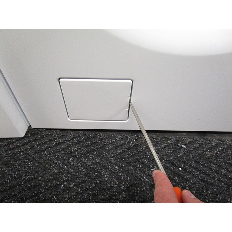 Asko W6564W - Outil nécessaire pour accéder au filtre de vidange