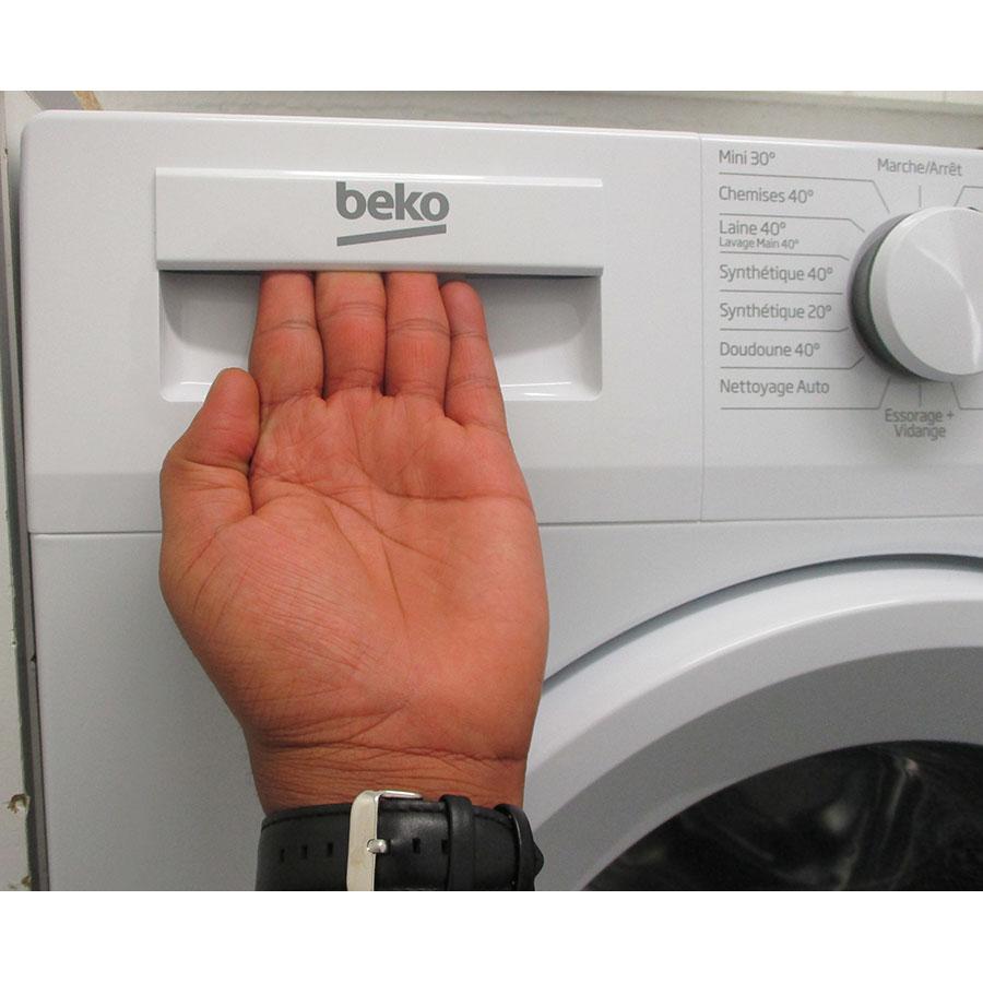 Beko DWTV6621XW1W - Ouverture du tiroir à détergents