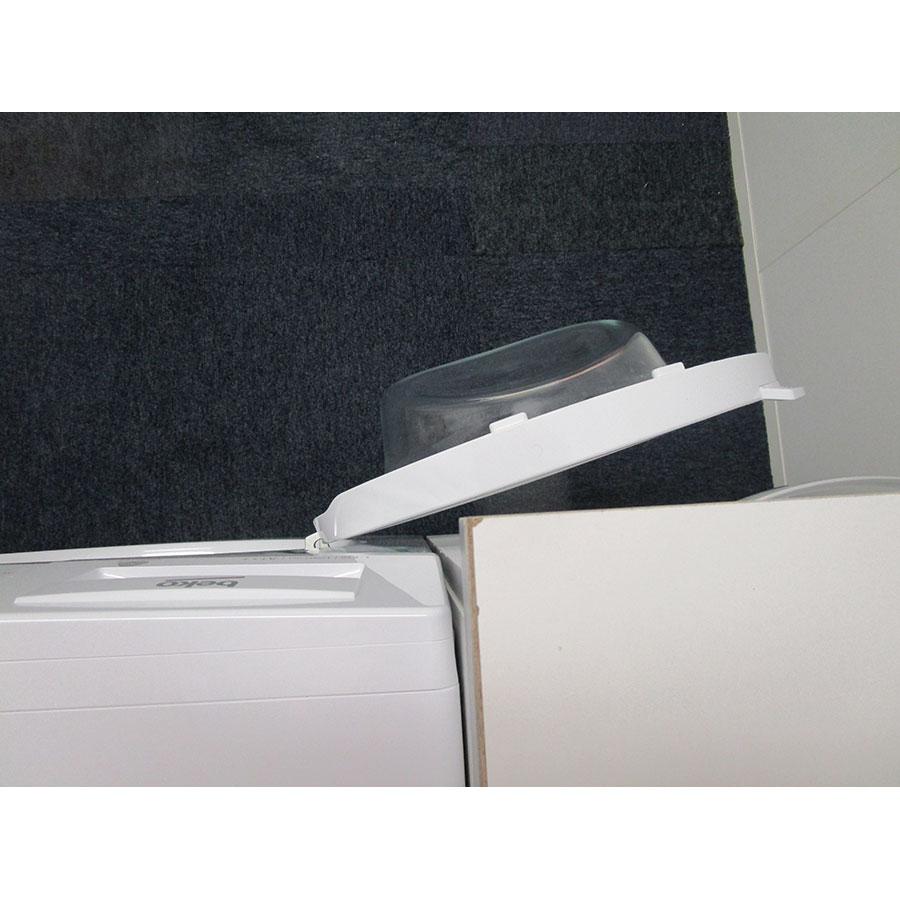 Beko DWTV6621XWOW - Angle d'ouverture de la porte