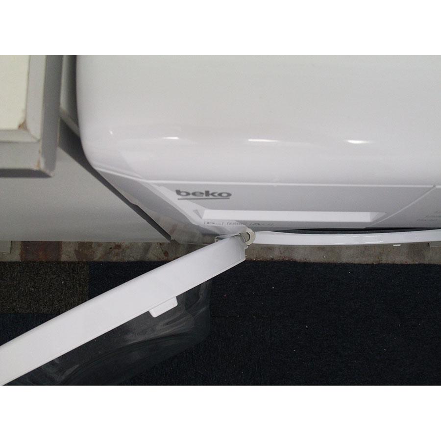 Beko LLF06W1 - Angle d'ouverture de la porte