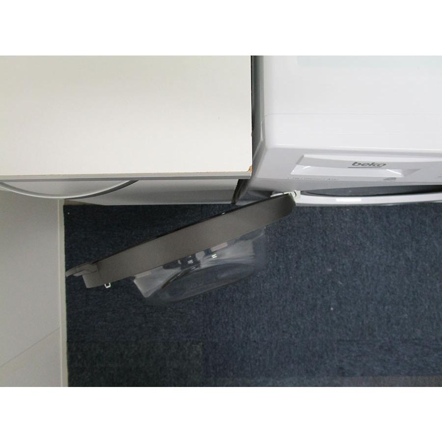 Beko WTS7200W - Angle d'ouverture de la porte