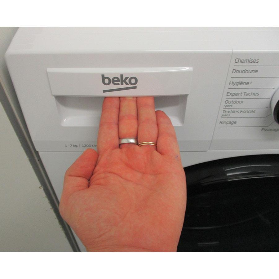 Beko WTS7201W - Ouverture du tiroir à détergents