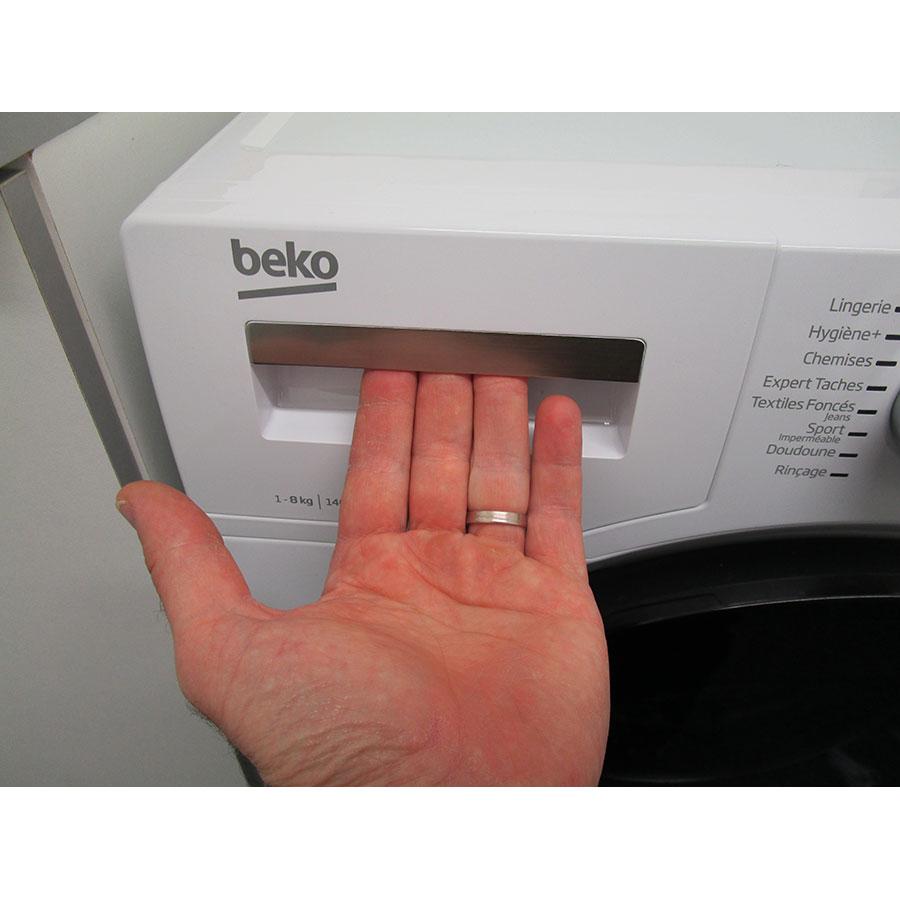 Beko WTV8744XWDOS - Ouverture du tiroir à détergents
