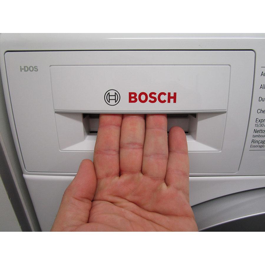 Bosch I-Dos WAT286H9FF - Ouverture du tiroir à détergents