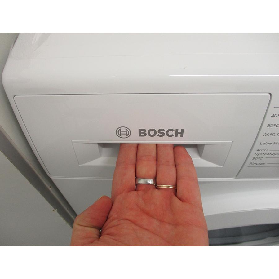 Bosch WAJ28057FF - Ouverture du tiroir à détergents