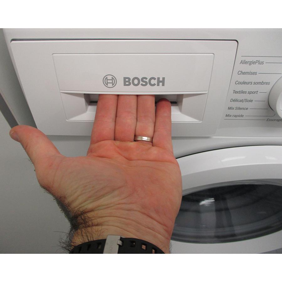 Bosch WAN24208FF - Ouverture du tiroir à détergents