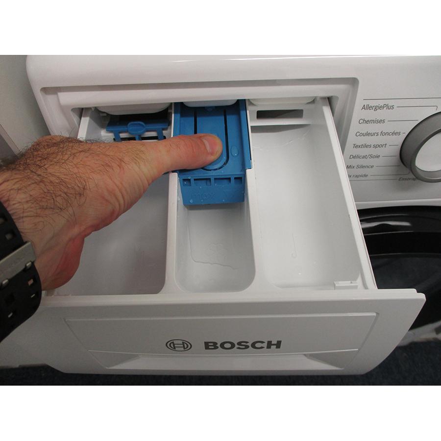 Bosch WAN28209FF - Bouton de retrait du bac à produits