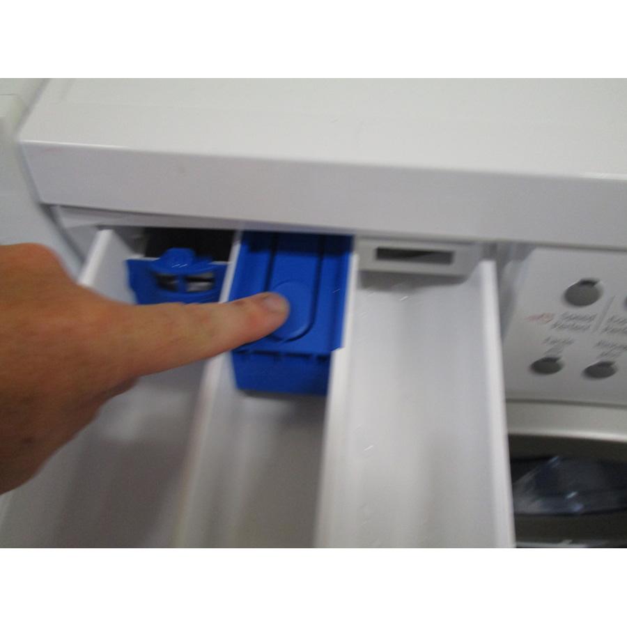 Bosch WAQ28483FF  - Bouton de retrait du bac à produits