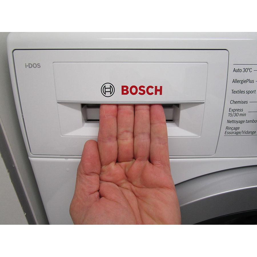 Bosch WAT28618FF i-Dos - Ouverture du tiroir à détergents