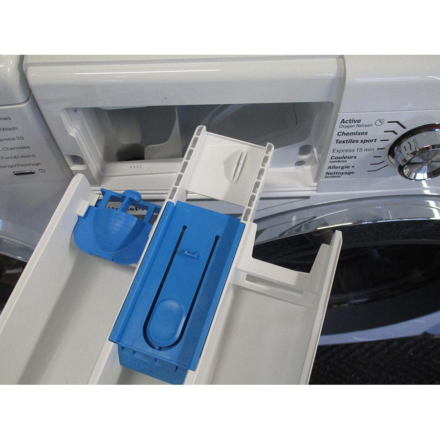 Bosch WAW28750FF ActiveOxygen Série 8 - Retrait du bac à produit
