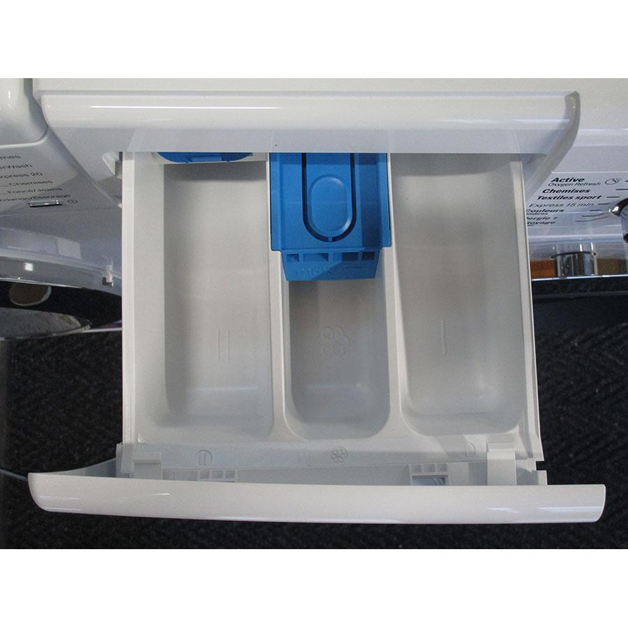 Bosch WAW28750FF ActiveOxygen Série 8 - Compartiments à produits lessiviels