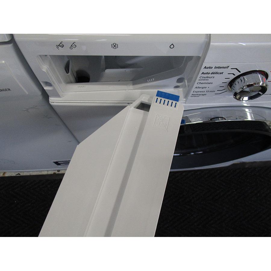 Bosch WAWH2660FF Home Connect Série 8(*34*) - Retrait du bac à produit