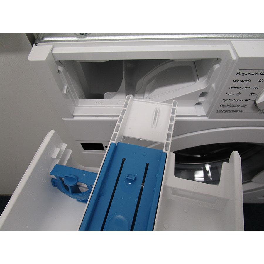 Bosch WIW28340FF - Retrait du bac à produit