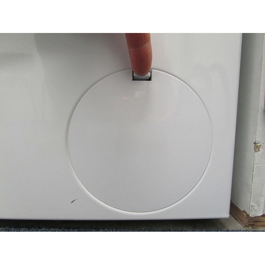 Bosch WUQ28418FF - Ouverture de la trappe du filtre de vidange