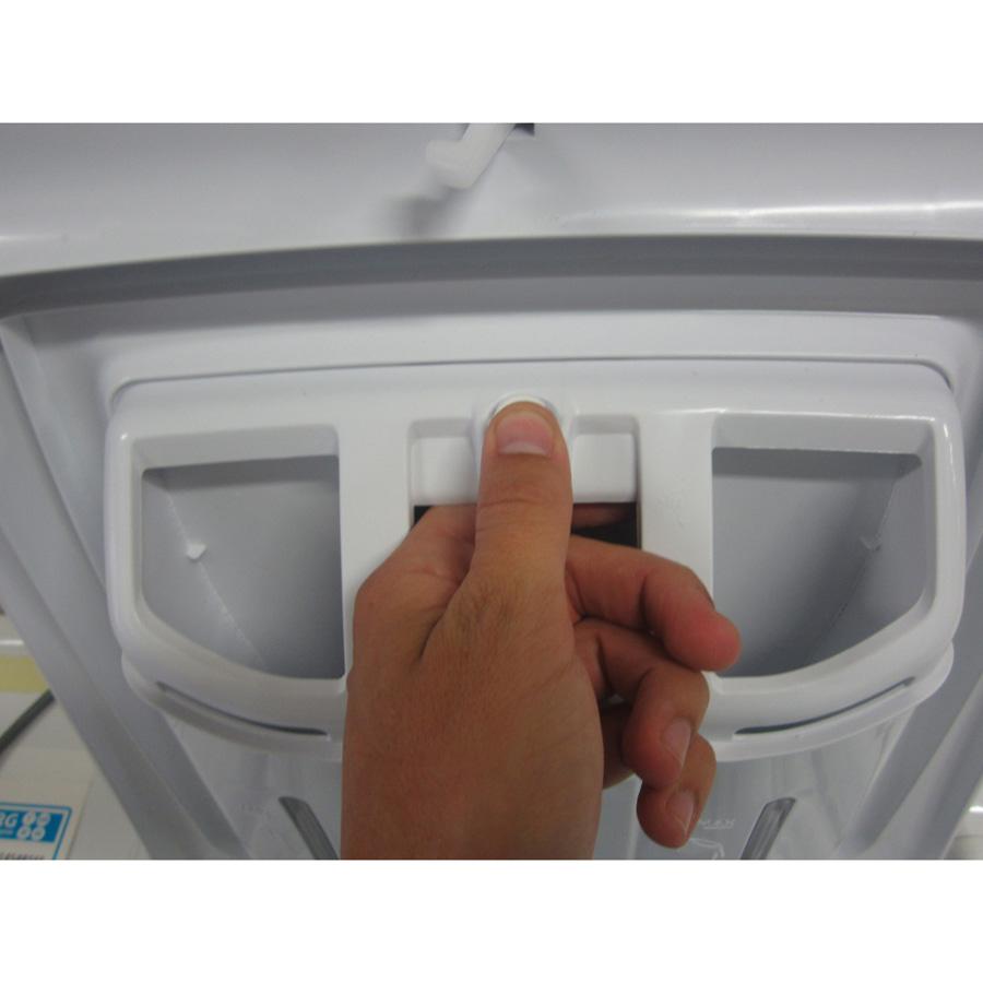 Candy EVOT13072D3 Evo Plaisir - Bouton de retrait du bac à produits