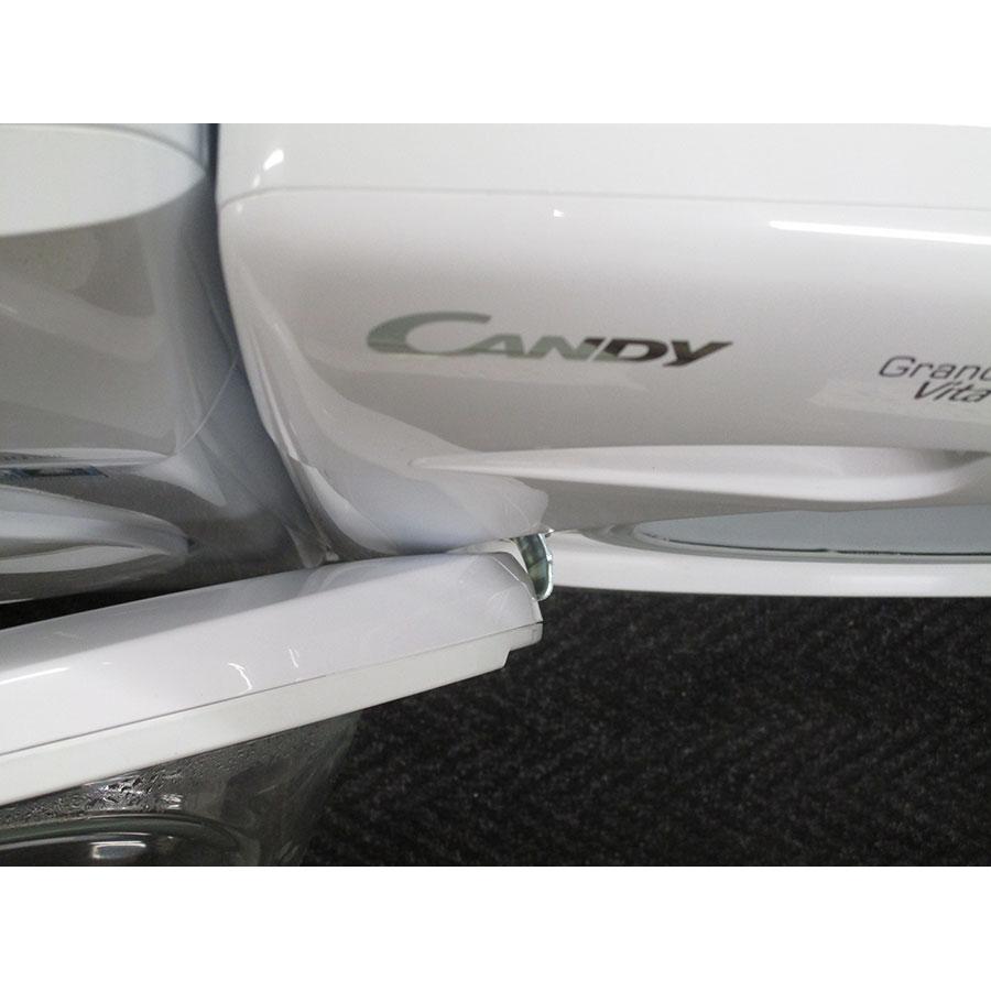 Candy GV1510D2/1 - Angle d'ouverture de la porte