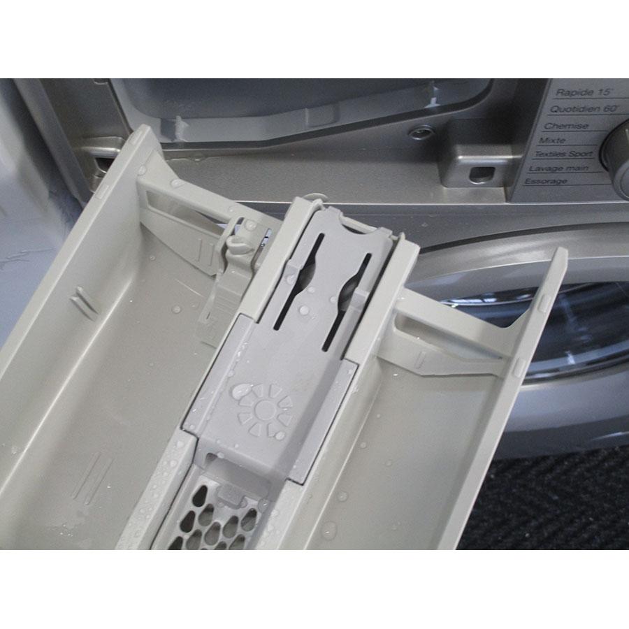 Daewoo DWD-FV2227 - Retrait du bac à produit