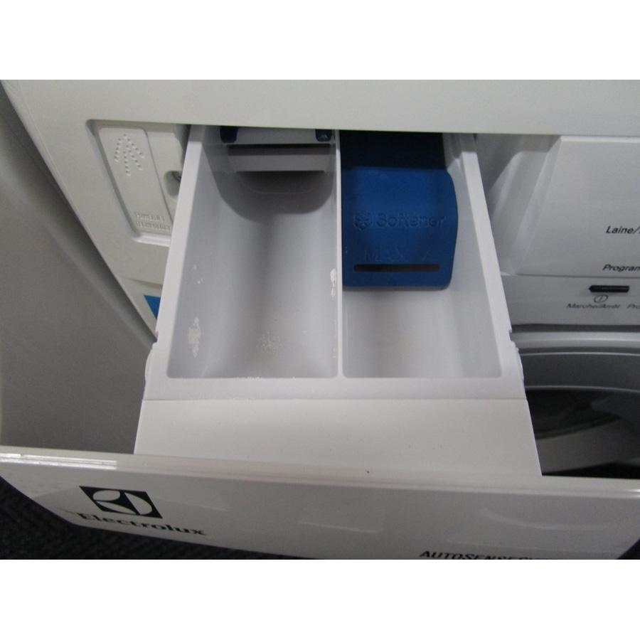 Electrolux EWF1404RA - Compartiments à produits lessiviels