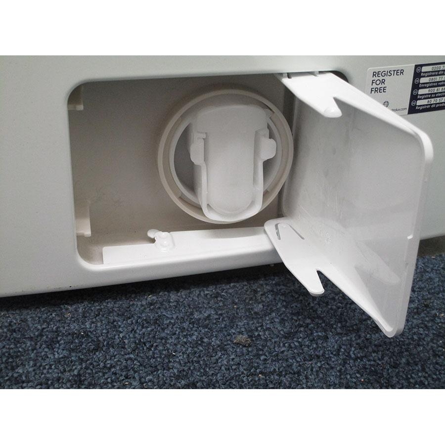 Electrolux EWF1484SSW - Bouchon du filtre de vidange