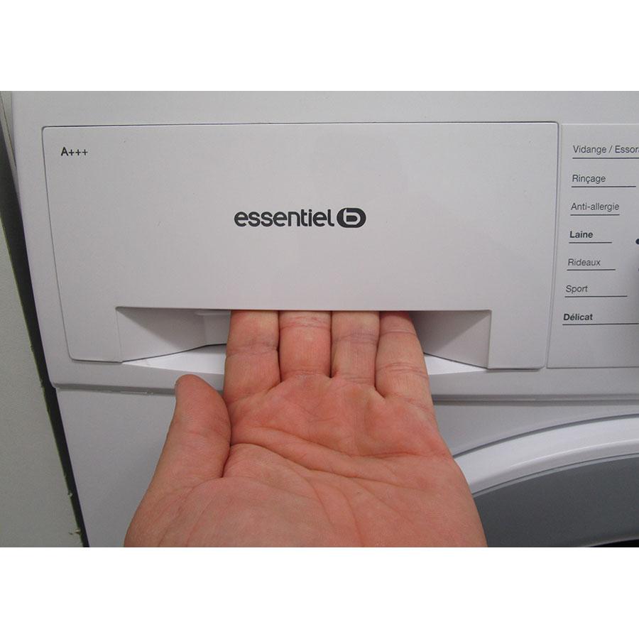 EssentielB (Boulanger) ELF814DD4 - Ouverture du tiroir à détergents