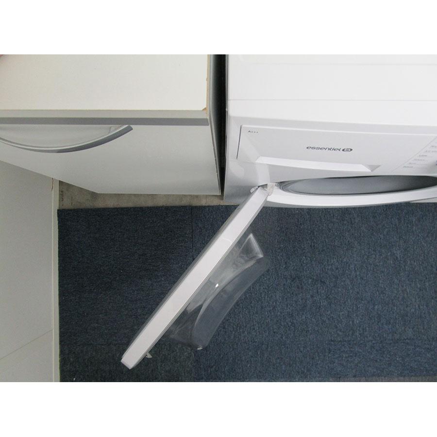 EssentielB (Boulanger) ELF814DD4 - Angle d'ouverture de la porte