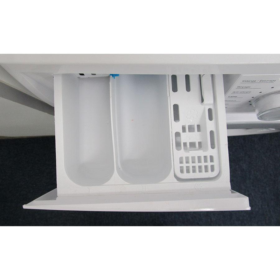 EssentielB (Boulanger) ELF814DD4 - Compartiments à produits lessiviels