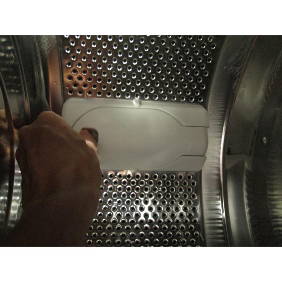 Far (Conforama) LT5510 - Ouverture de l'aube du tambour