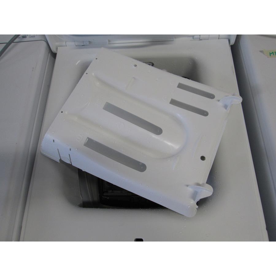 Far (Conforama) LT5510 - Retrait du bac à produit