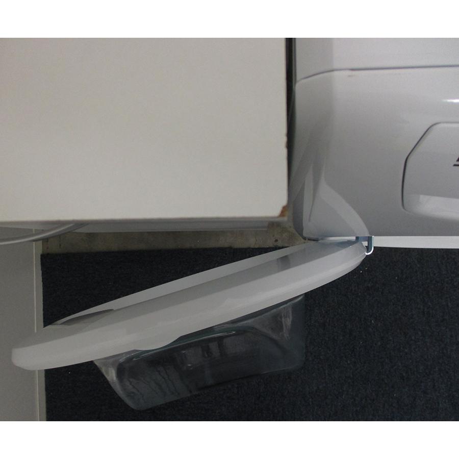 Faure FWF10120PS - Angle d'ouverture de la porte