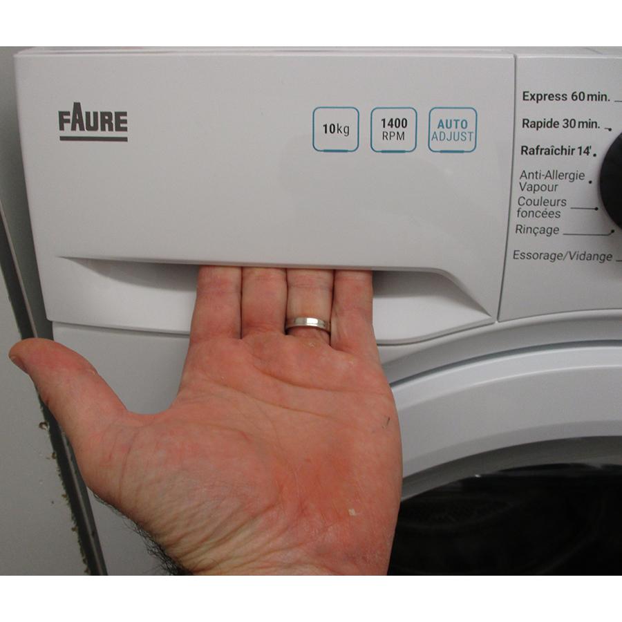 Faure FWF1422E32 - Ouverture du tiroir à détergents