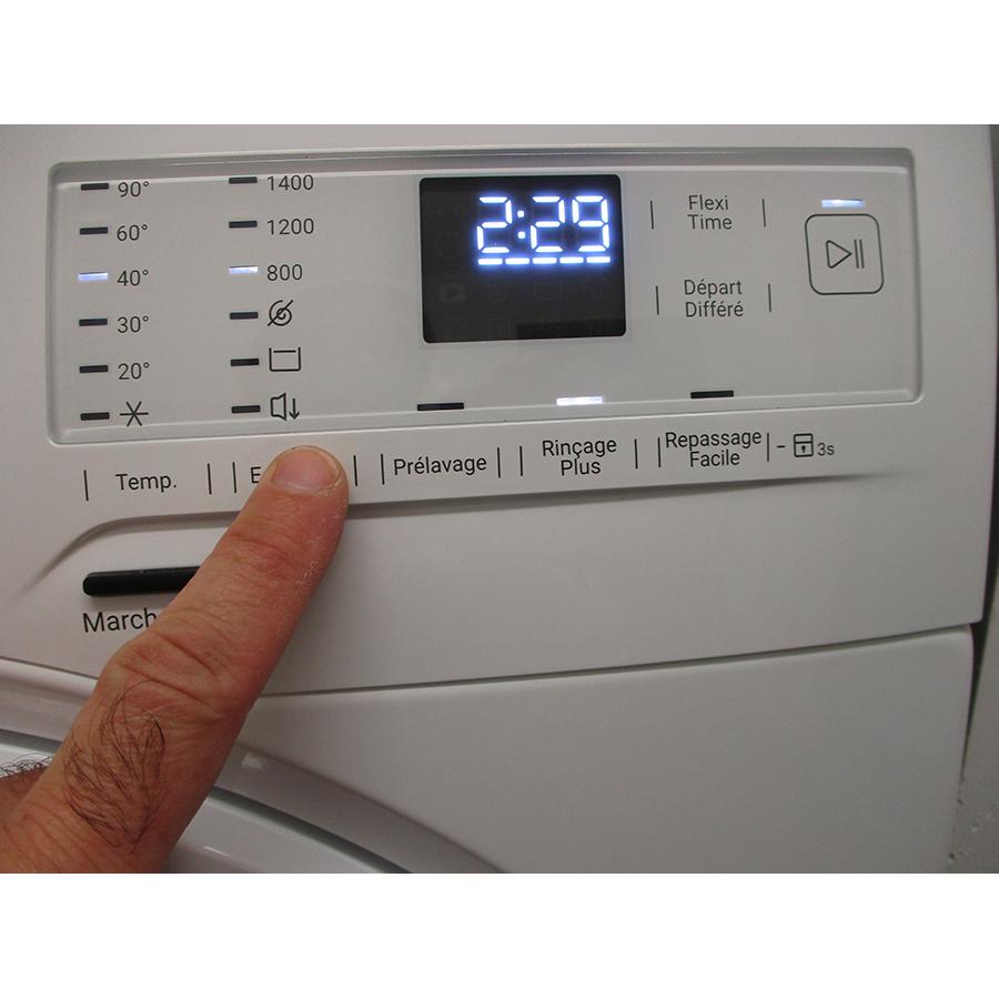 Faure FWF1422E32 - Afficheur et touches d'options