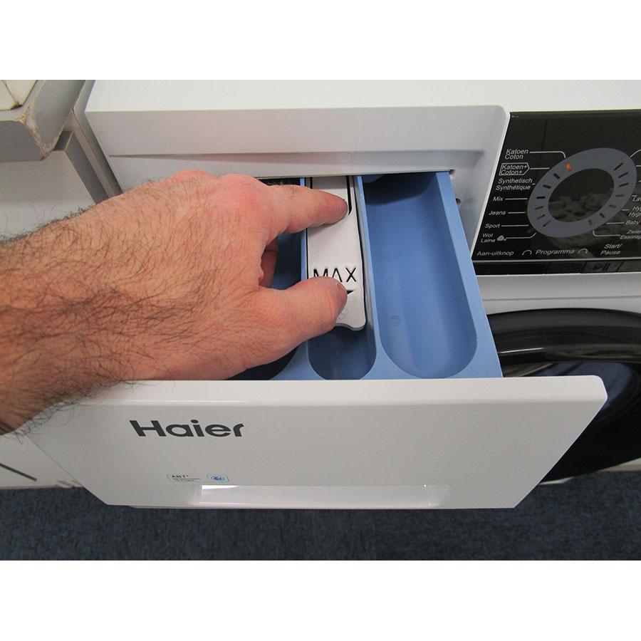 Haier HW60-14829 - Bouton de retrait du bac à produits