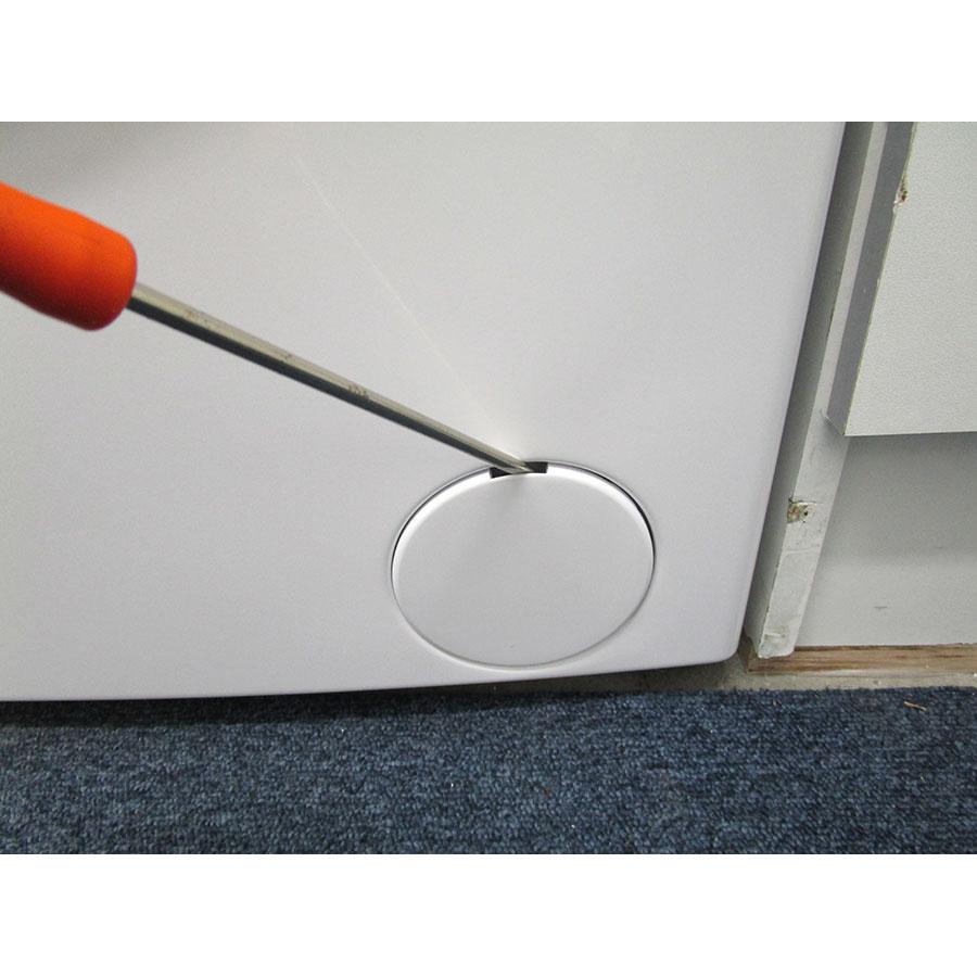 High One (Electro Dépôt) WM805A++WVET - Outil nécessaire pour accéder au filtre de vidange