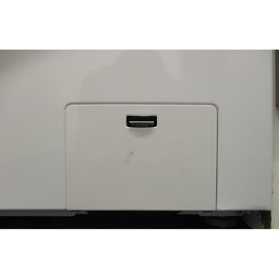 Hisense W712PVM - Trappe du filtre de vidange