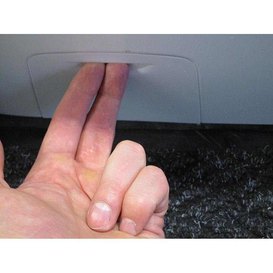 Hoover DMT413AH/1 - Ouverture de la trappe du filtre de vidange