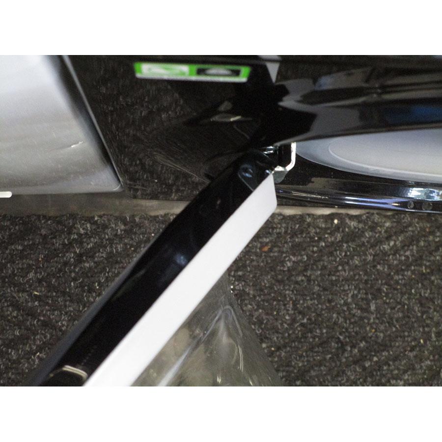 Hotpoint FMF923K EU.C - Angle d'ouverture de la porte
