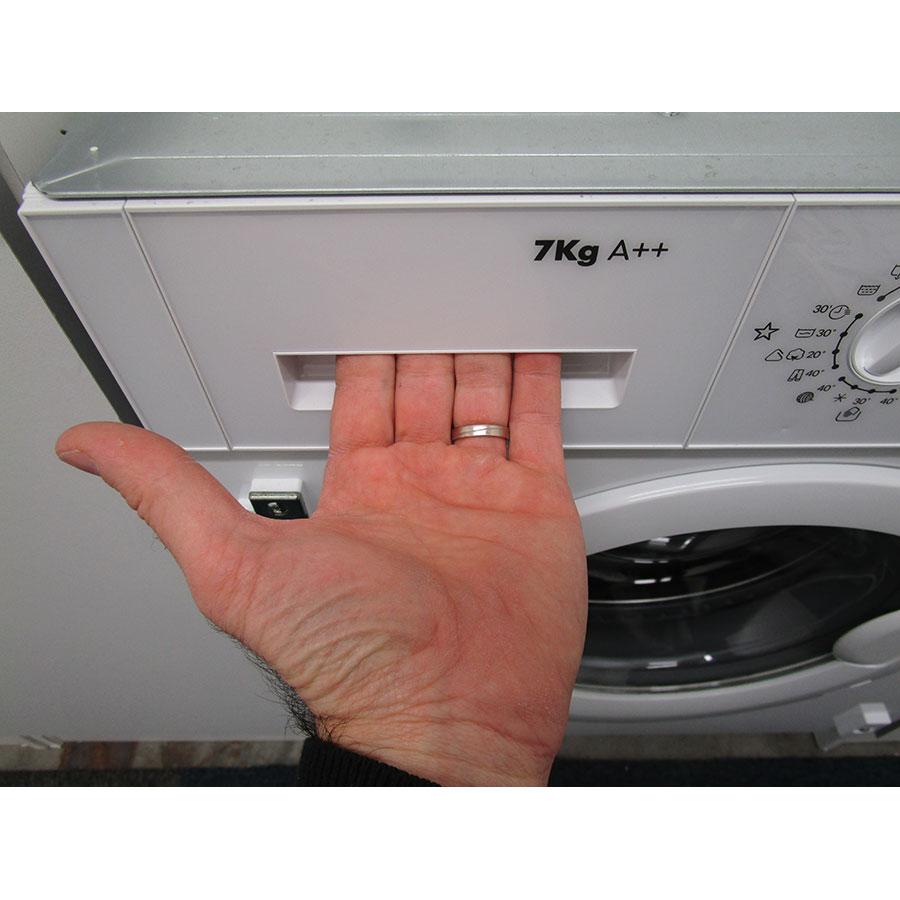Ikea Renlig 903.127.09 - Ouverture du tiroir à détergents
