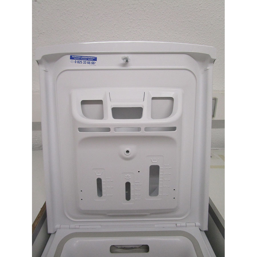 Indesit BTWD61053 - Compartiments à produits lessiviels