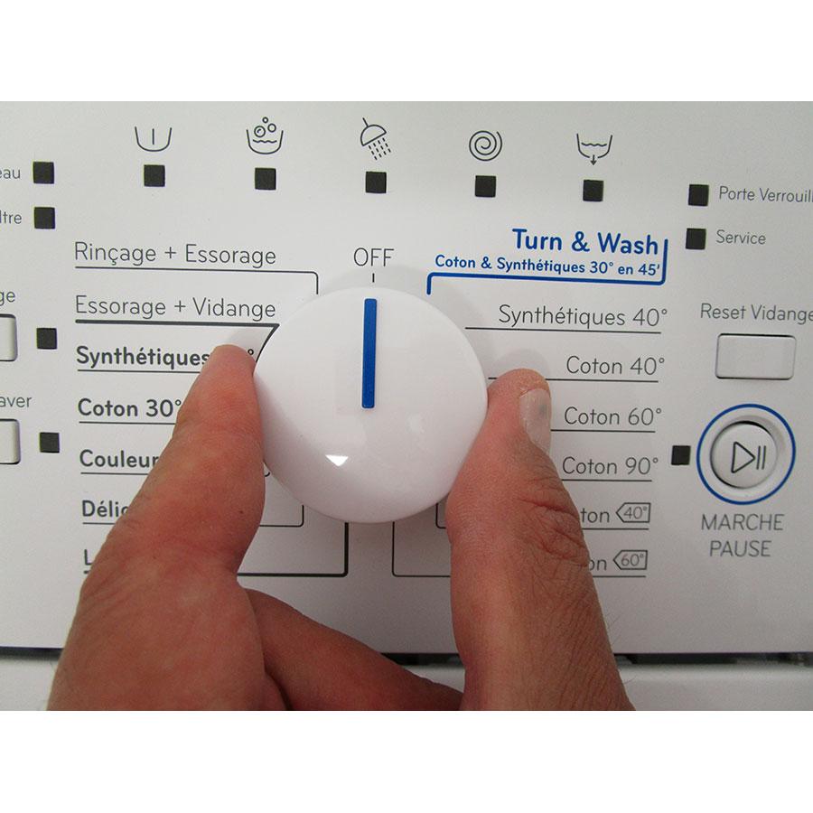Indesit BTWD61053 - Visibilité du sélecteur de programme