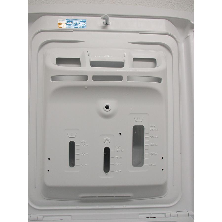 Indesit BTWL50300FR/N - Compartiments à produits lessiviels