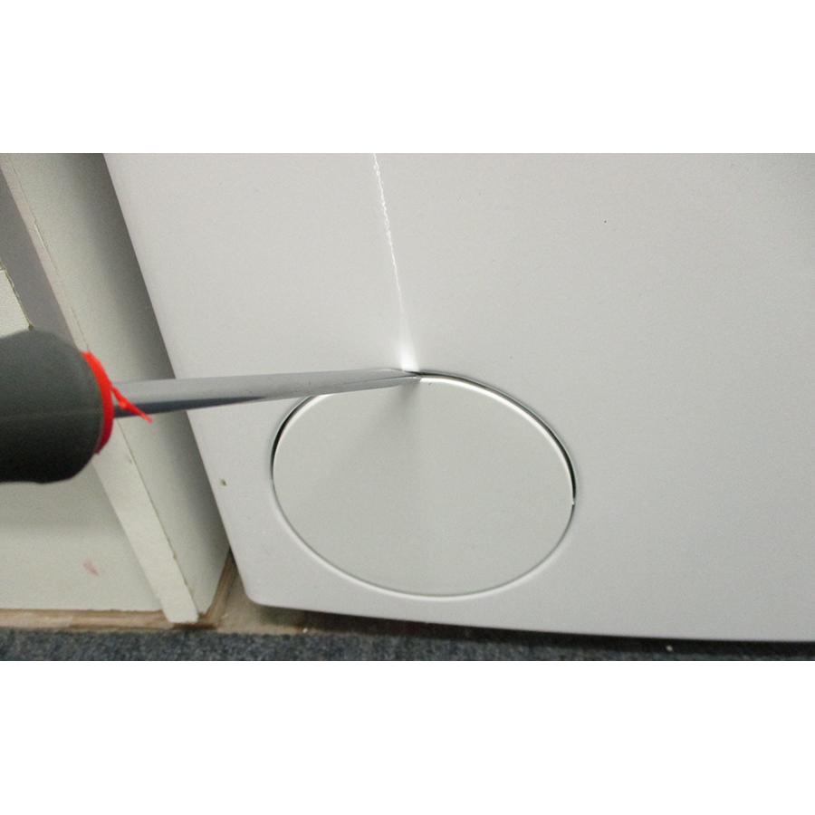 Indesit BTWL50300FR/N - Outil nécessaire pour accéder au filtre de vidange