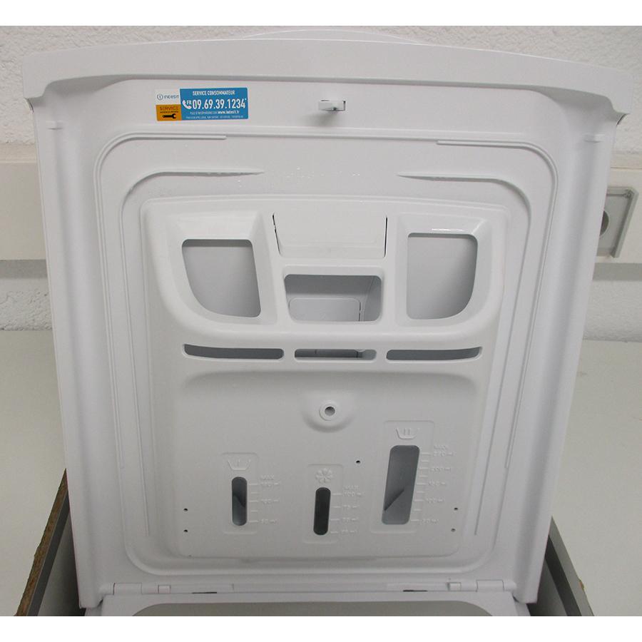 Indesit BTWS60300FR/N - Compartiments à produits lessiviels