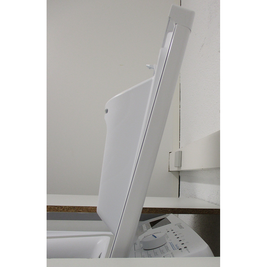 Indesit BTWS60300FR/N - Angle d'ouverture de la porte