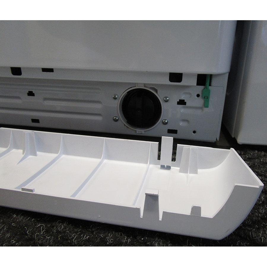 Indesit BWE61252W FR - Plinthe masquant le filtre de vidange