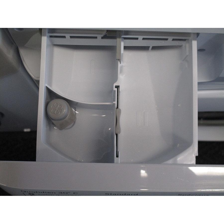 Indesit BWE61252W FR - Compartiments à produits lessiviels
