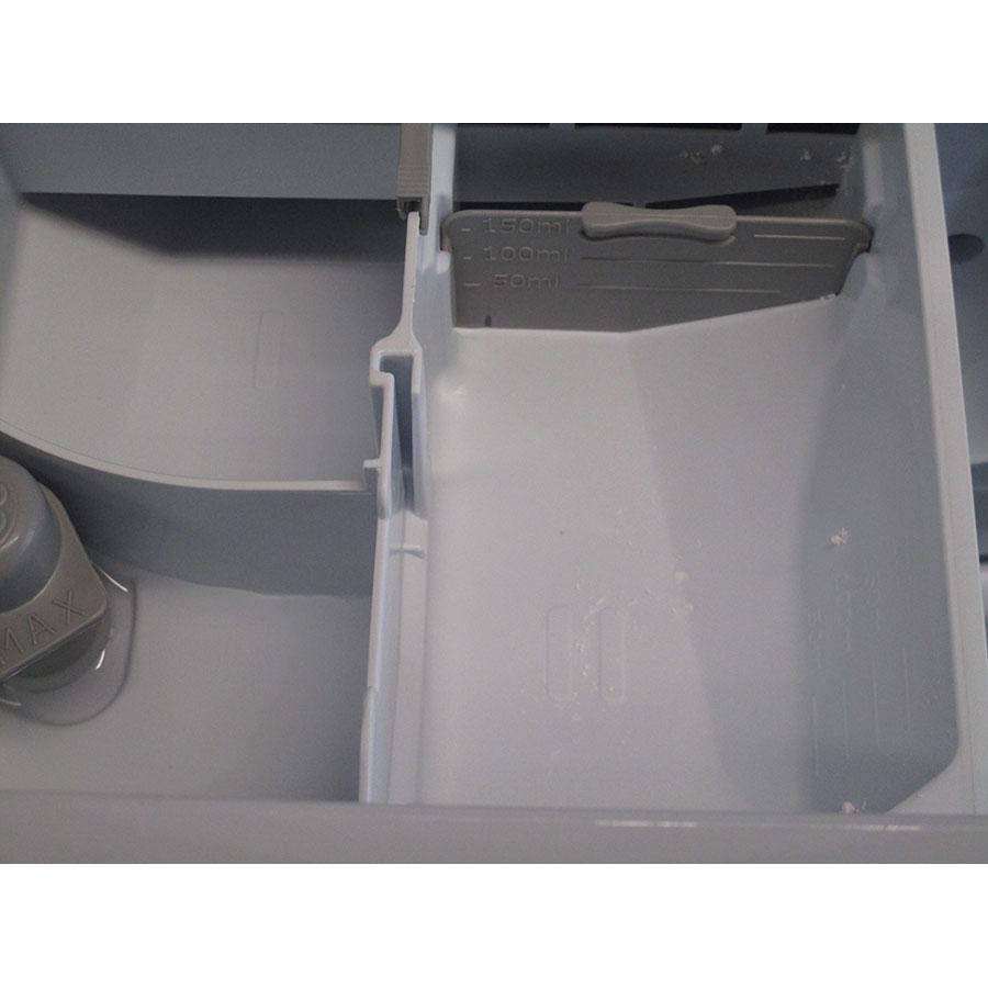Indesit BWE61252W FR - Accessoire pour lessive liquide