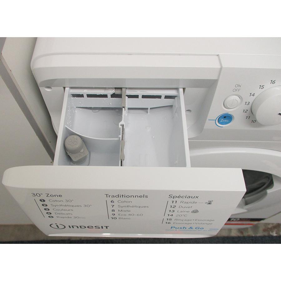 Indesit BWE71483WFRN - Compartiments à produits lessiviels