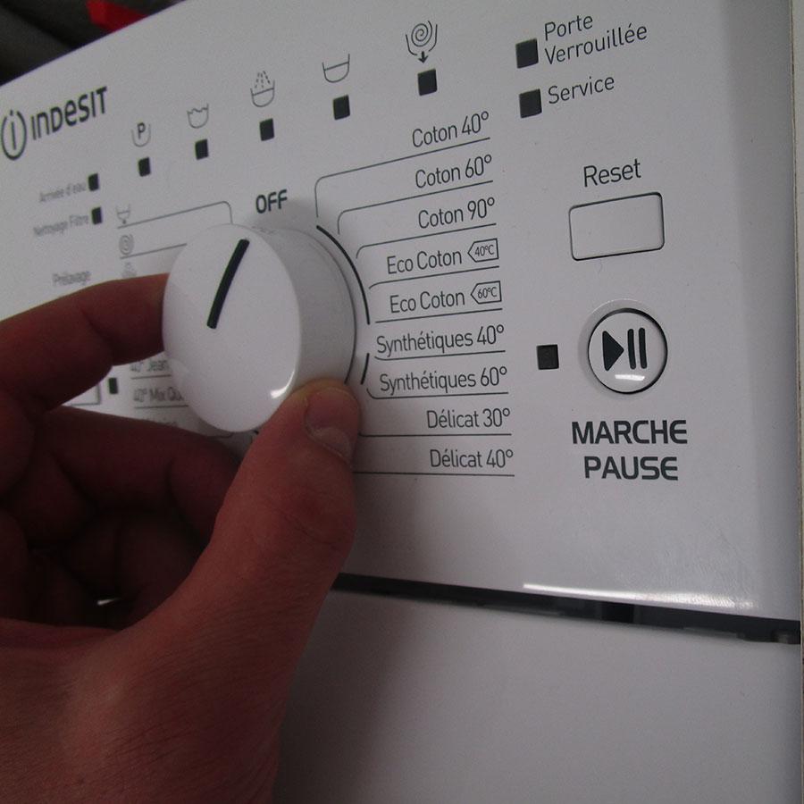 Indesit ITWD 61253 W FR(*42*) - Visibilité du sélecteur de programme