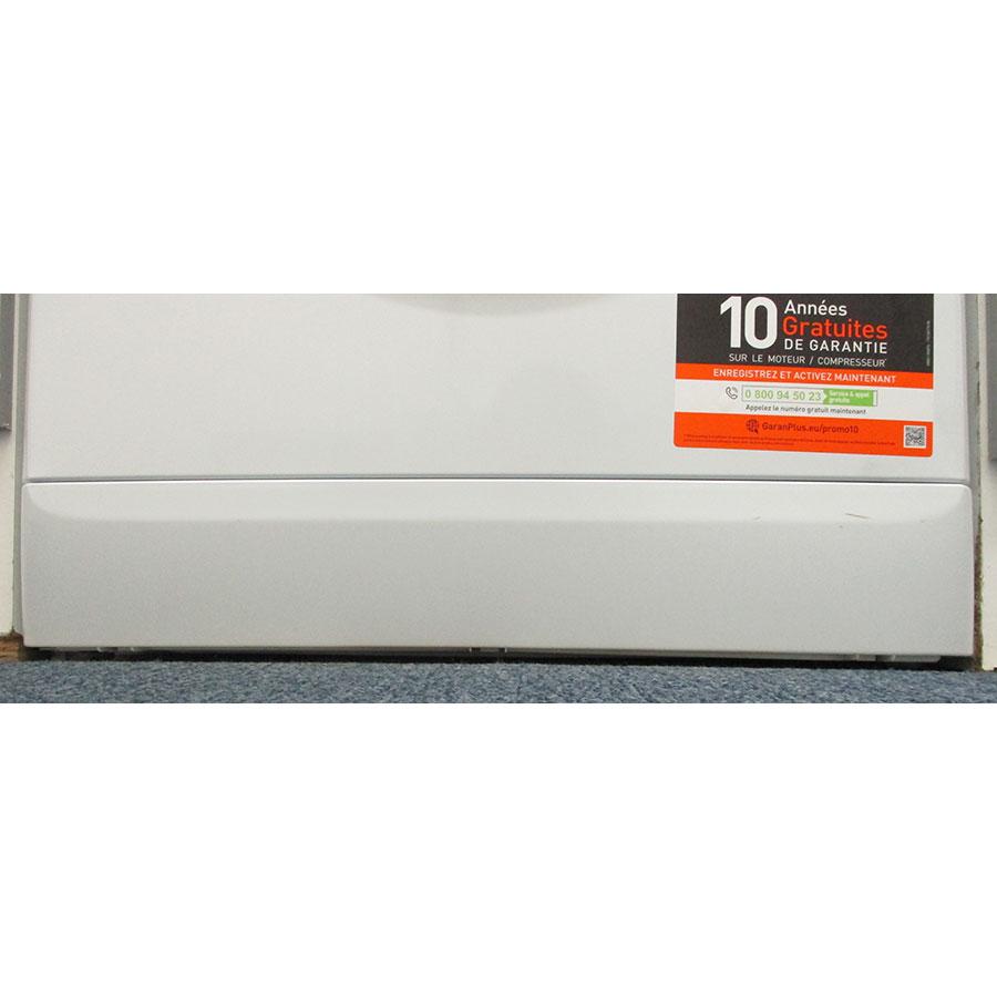 Indesit MTWE81683WKFR - Plinthe masquant le filtre de vidange