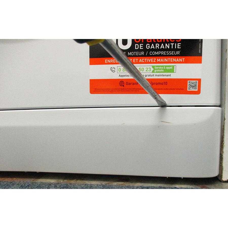 Indesit MTWE81683WKFR - Outil nécessaire pour accéder au filtre de vidange